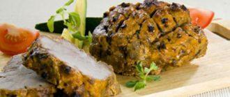 М'ясо з паприкою, запечене у фользі