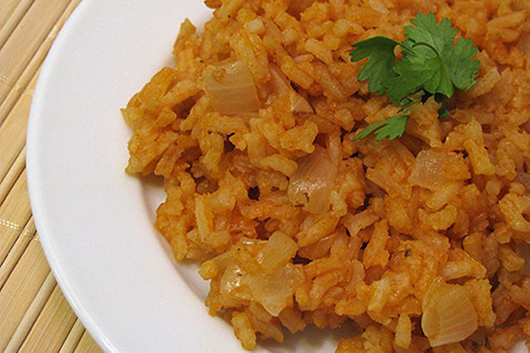 Рис по-іспанськи з птицею